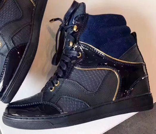 Moda deri ayakkabı içinde artan baskı yüksek çizmeler buzlu tek patent deri rahat düz dantel ayakkabı