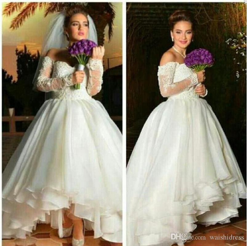 Vintage Thé Longueur Robes De Mariée Courtes 2017 Une Ligne Sur Les Épaules Sheer Manches Longues Appliqued Robes De Mariée Sur Mesure