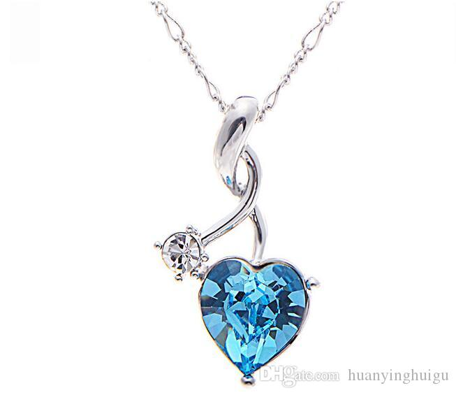 2017 NewIn the heart of your crystal necklace A short pendant necklace lucky love necklace DZ9