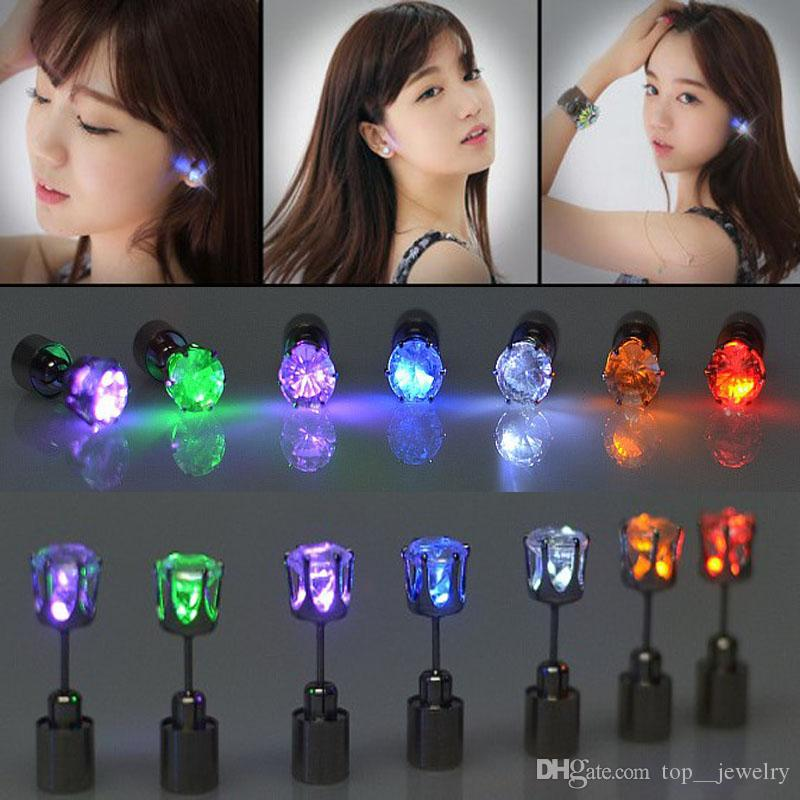 Best Gift LED Stud Flash Earrings Hairpins Strobe LED Earring Lights Strobe LED Luminous Earring Party Magnets Fashion Earring Lights