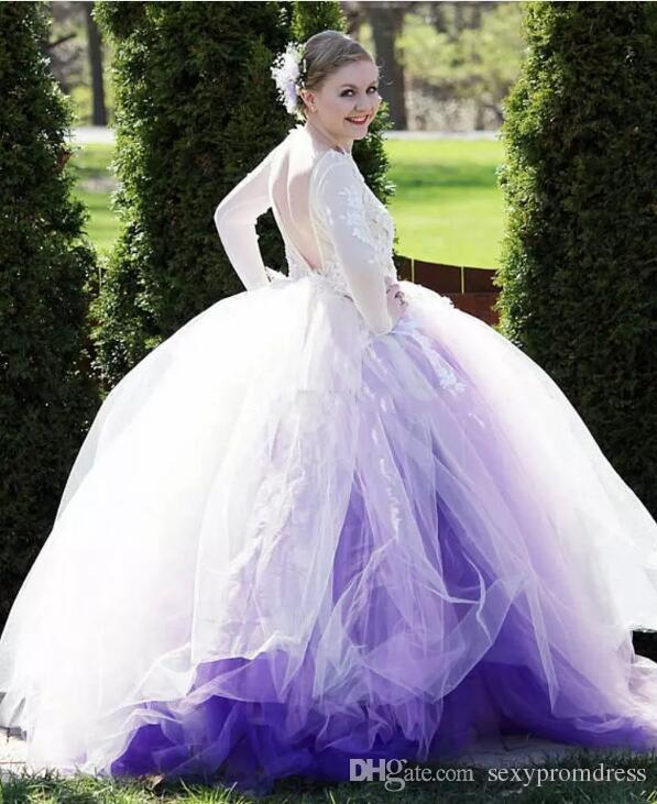 Incredibili abiti da sposa in tulle viola chiaro e bianco Sexy Backless Appliques in pizzo Abiti da sposa 2018 Ball Gown Custom Made Vestidos