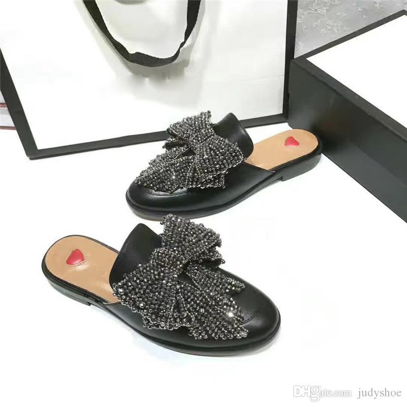 2018 Womens sapatos de couro preto Rhinestones Jóias borboleta nó flip flops slip on Loafers mocassins chinelos de pele de cristal