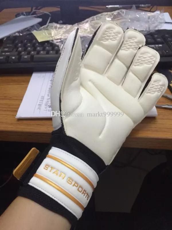 Selling Brands Star genuine Soccer Goalkeeper Breathable training gloves with finger guard Slip resistant Professional Super Latex