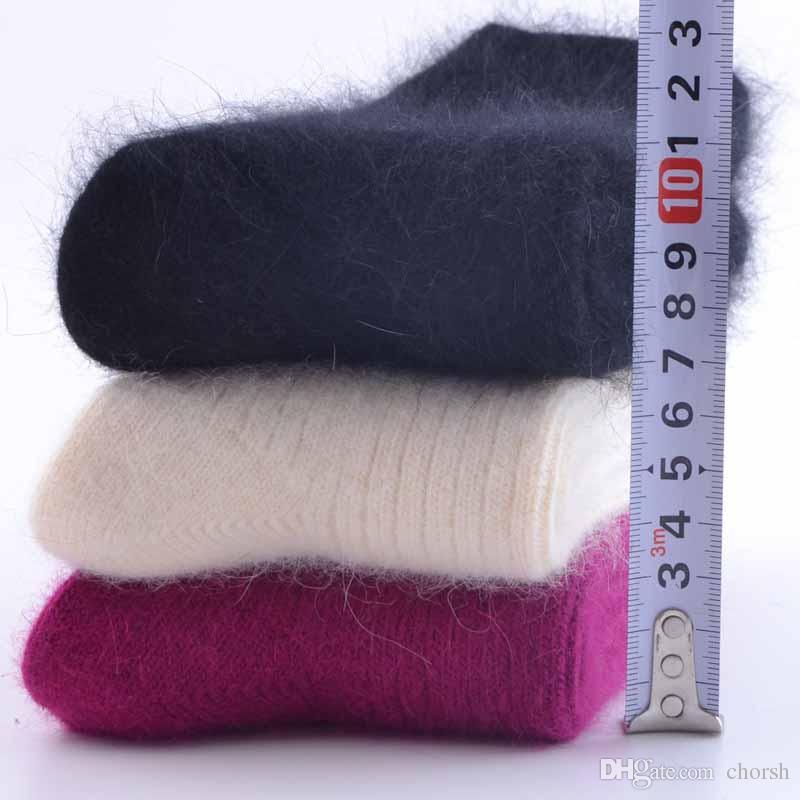 2019 Fashion Thick Rabbit Wool Socks Women Winter Warm Lamb Wool Cashmere  Men Socks High Quality From Chorsh 9293d7235f