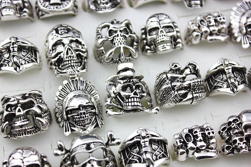 Vendita calda Gothic Skull Intagliato Big Biker Anelli Anti-Argento Retro Punk Anelli uomo Moda gioielli in massa all'ingrosso