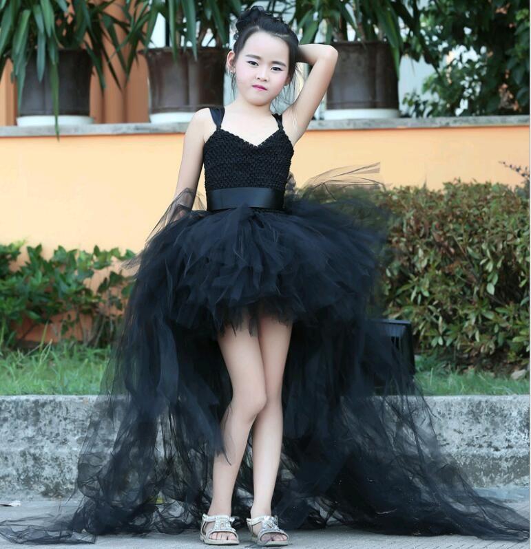 fdde01336 Compre Negro Con Volantes Princesa Cola Larga Cola Vestidos De Flores Niñas  Con Cuello En V Vestido De Bola Del Banquete De Boda Asimétrico Para 1 14  Años ...