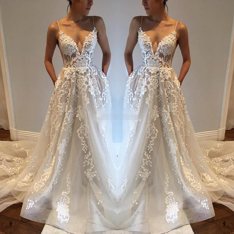 Sexy Bohemia Wedding Dresses With Pockets Spaghetti Straps Backless Chapel Train Tulle Vintage Lace 2017 Cheap Plus Boho Beach Bridal Gowns