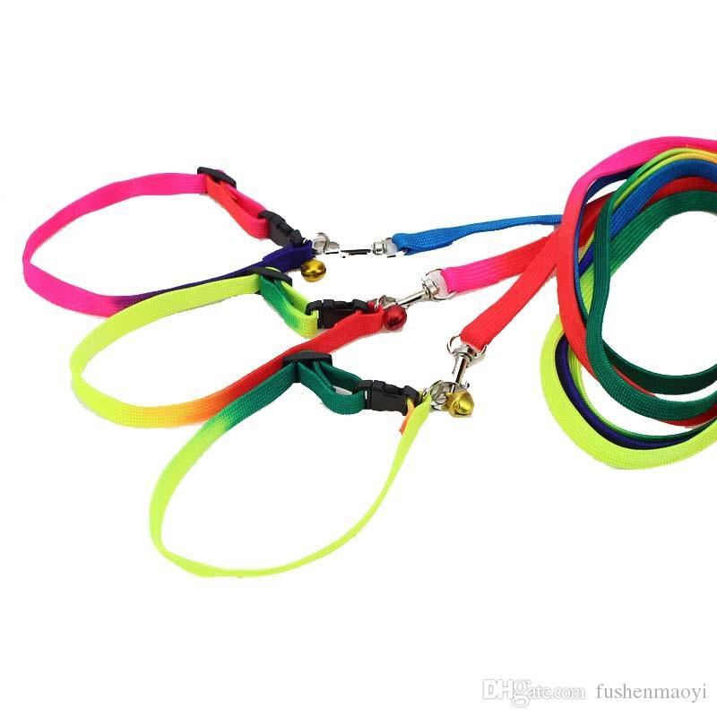 Rainbow Dog Cat Cloche Collier et Laisse Réglable En Plein Air Nylon Confortable Colliers Pour Petits Chiens Chiots Fournitures Pour Animaux De Compagnie