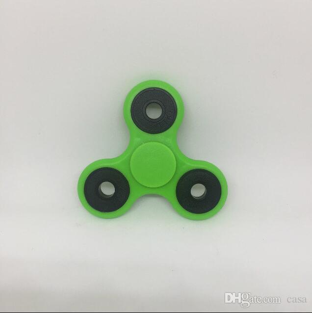 2017 neueste kunststoff edc zappeln spinner spielzeug finger spinner spielzeug hand tri spinner handspinner finger spinning keine lager