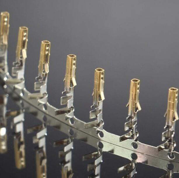 Alta qualità Femmina 5557 ATX / EPS PCI-E Terminali placcati oro metà con perni crimpati