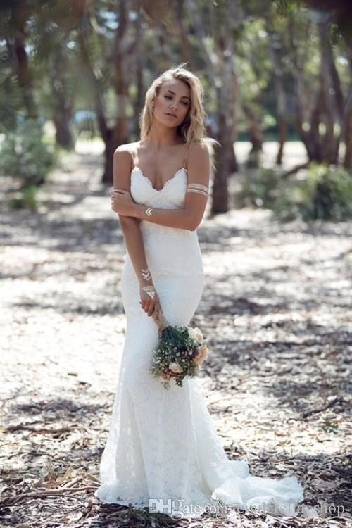 Western Country 2019 Sexy White Backless Beach Lace Mermaid Wedding Dresses Bohemian Spaghetti Sweep Train Sexy Cheap Bridal Gowns