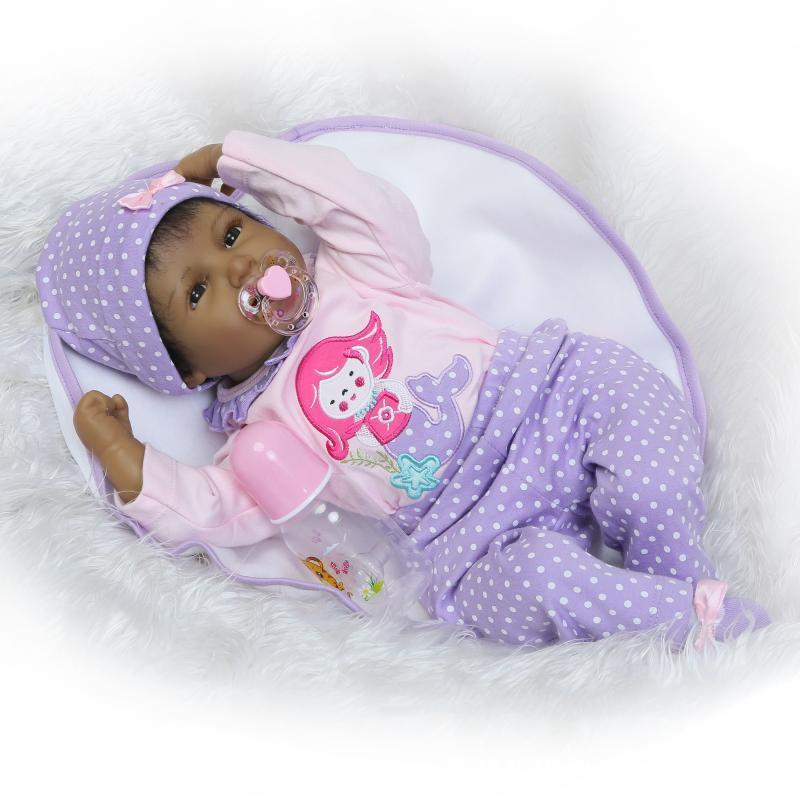 Siyah Afrika Amerikan Bebekler 22 inç Gerçekçi Reborn Bebek Silikon Vinil Bebek GirlSilicone Vücut Reborn Bebek 22 inç
