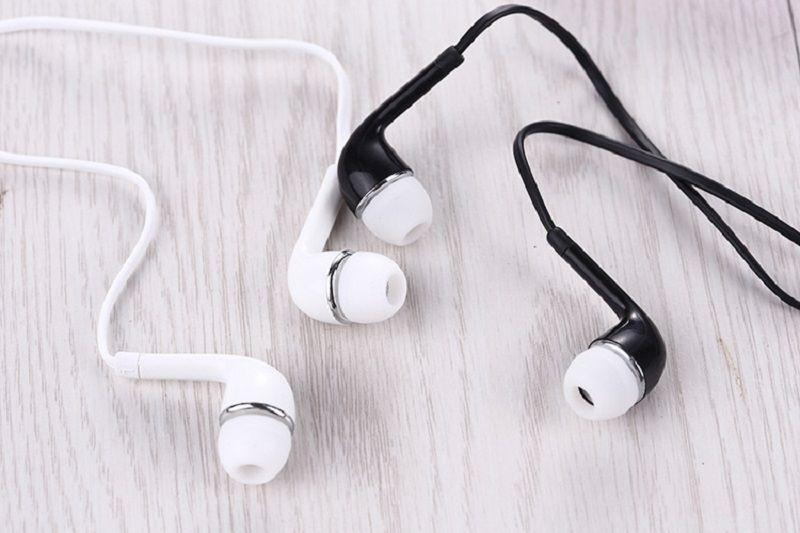 J5 Kulak Stereo beyaz / siyah Kulaklık 3.5mm Kulaklıklar Kulaklık için Mic ve Uzaktan ile Samsung Galaxy S4 Not 3 Ücretsiz kargo