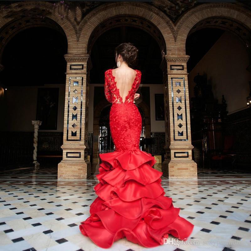 Elegante encaje rojo vestidos de baile 2017 espalda abierta sexy mangas largas con gradas vestidos de noche sirena palabra de longitud formal vestido del desfile
