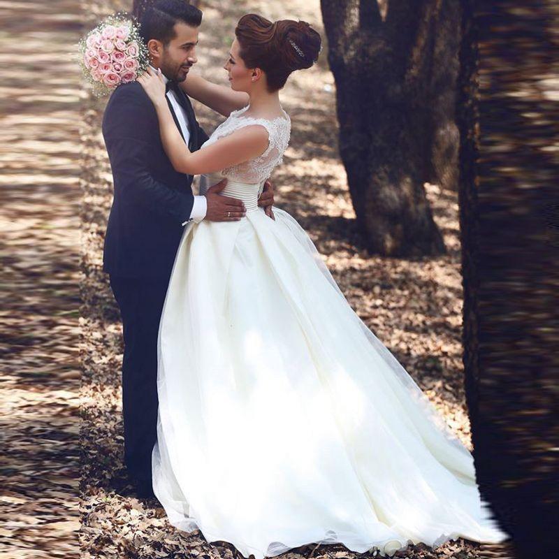 Скромное дешевое бальное свадебное платье без рукавов Кружевной топ Vestidos Novias Court Train 2019 Свадебные платья с прозрачными пуговицами