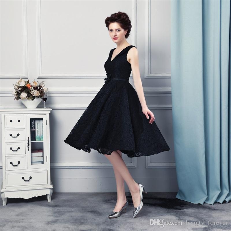 Short Evening Dresses vestidos de noiva V Neck Appliques Sleeveless Lace Up Back Design Prom Gowns 2017