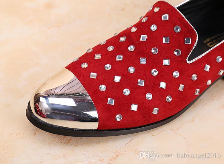 Neue Mode Strass Dekor Müßiggänger Rot Herren Hochzeit Schuhe Slip On Freizeitschuhe Männer Metall Zehen Wohnungen Creepers Espadrilles