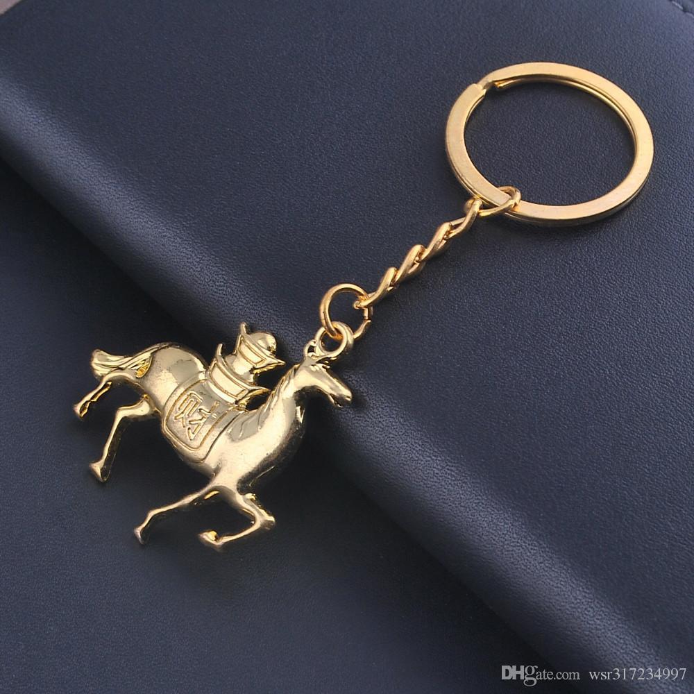 2016 Novo cavalo chaveiros moda ouro lingote chaveiro encantadora chave chans animais chaveiros mulher saco charme pingentes chave do carro localizador acessório