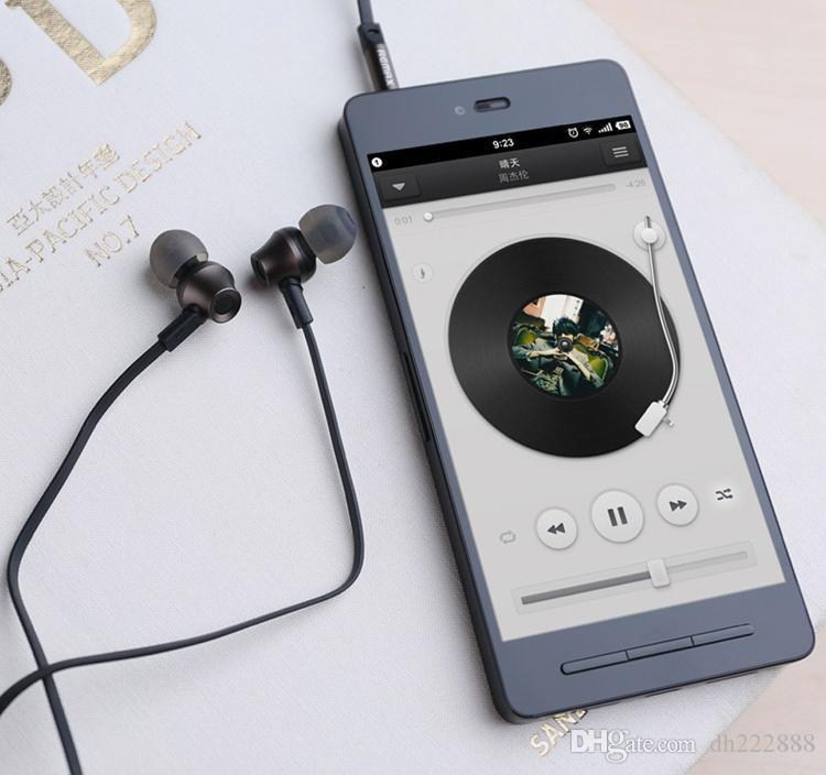 Remax RM-610D 3.5mm Plug Earphone In-Line Control Stereo Headsets In Ear Earphone HiFi Headset with Microphone for Mobile Phone
