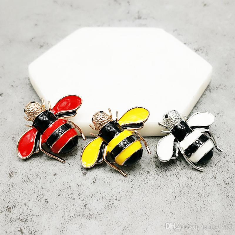 New Style Cartoon Bee Brooch Painting Handicraft For Man And Woman Alloy Brooch Stick Pin in