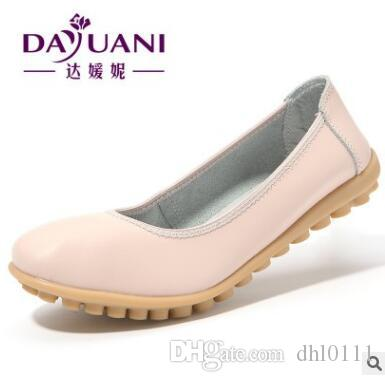 8951ef95d8c 2017 New Casual Loafers Women Genuine Leather Mother Shoes Moccasins Soft  Leisure Flats Female Driving Ladies Footwear Casual Shoes For Men Women  Shoes From ...