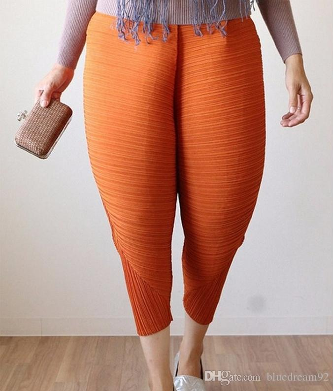 59aeeafb41 2019 Fried Chicken Pants 2017 Fashion European Designer Trousers Large Size  Ladies Capris Pants Loose Elastic Chicken Linen Pants For Women From  Bluedream92 ...