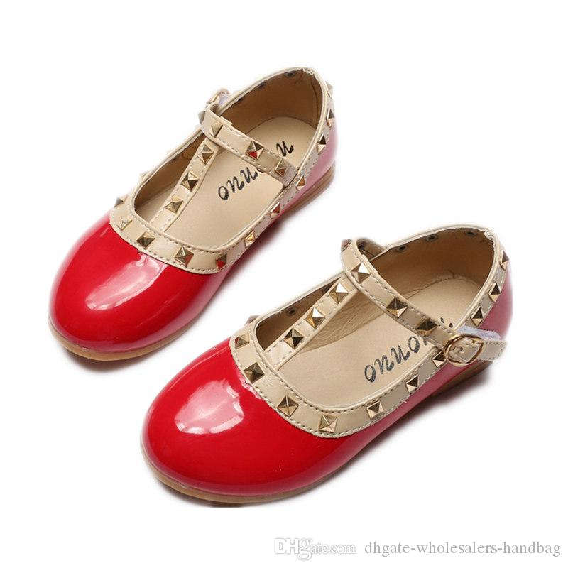 2017 Spring New Girls Flats Children Shoes Patent Leather Princess Rivets  Buckle Dance Shoes For Kids Sneaker Size 21 36 Baby Girls Peas Kids Running  Gear ...