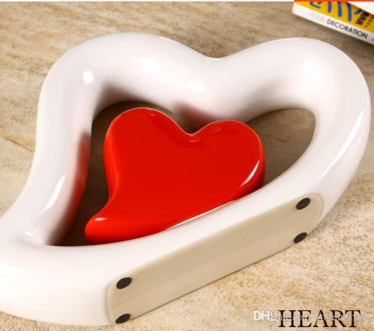 Modern Ceramic Vase Lucky heart shape Caramic Tabletop Vase for Home Hotel Office Club Bar Decor choice