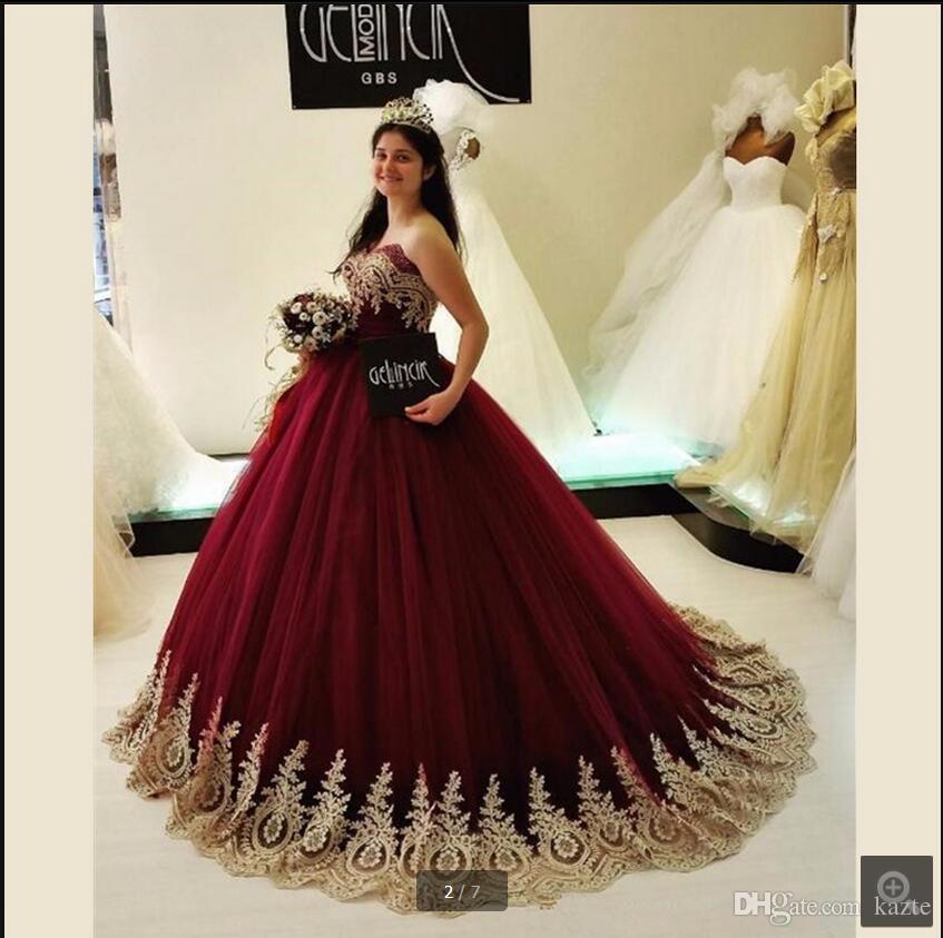 Arabia Saudita Borgogna Abito da ballo principessa abiti da ballo Sweetheart Appliques di pizzo dorato Abito da sera gonfio plus size Vestido De Novia