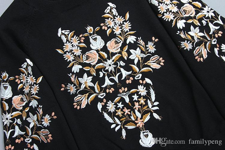 2017 Sonbahar / kış Siyah Pist Örme Kazak Çiçek Nakış Marka Aynı Stil Uzun Kollu Kadın pollover Jersey de pista