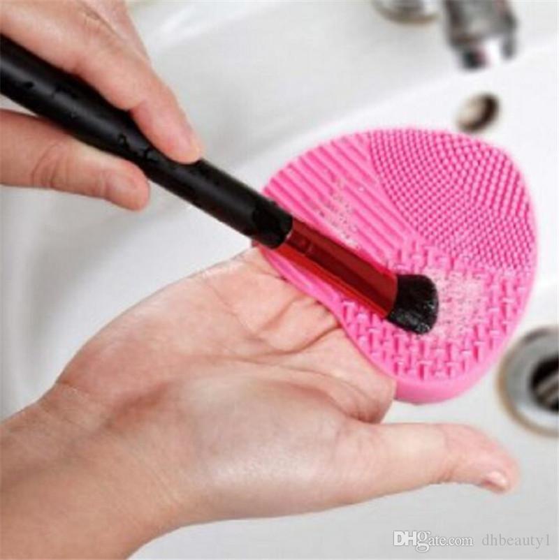 Spazzola il lavaggio del guanto in silicone Spazzola il trucco del guanto in silicone Spazzola cosmetica fondotinta in polvere