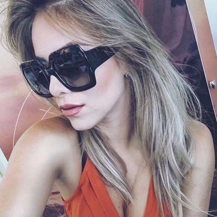 0083 Lunettes de soleil populaires de luxe femmes marque Designer 0083S Carré Style de l'été plein cadre de qualité supérieure Protection UV couleur mélangée Venez avec boîte