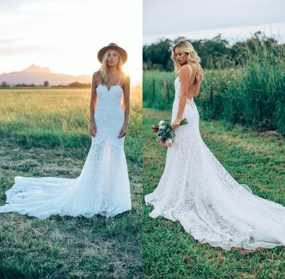2018 Romantic Lace Boho Wedding Dresses Beach Chapel Long Train