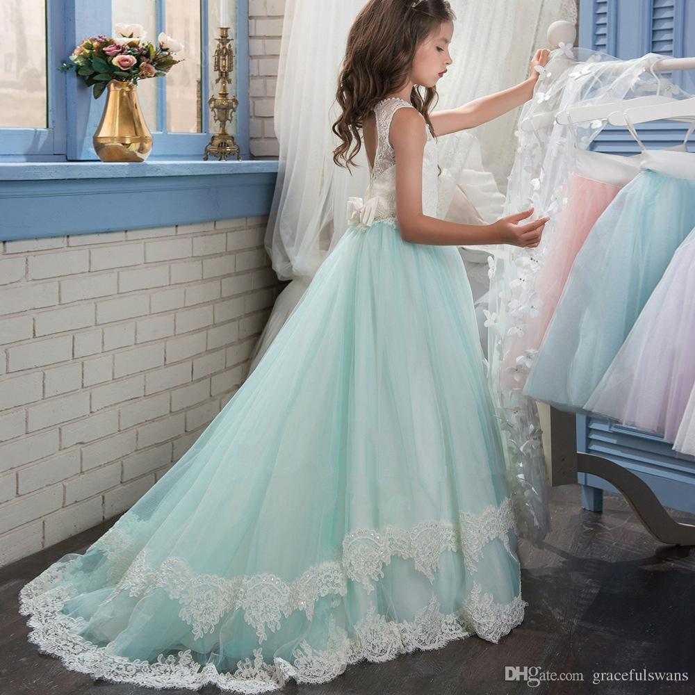 Illusion O-Collo Pizzo A-Line Flower Girl Dresses Perline Vita Tiers Pizzo Splendida Prima Comunione Abiti rimovibili Caps Bow Floeers