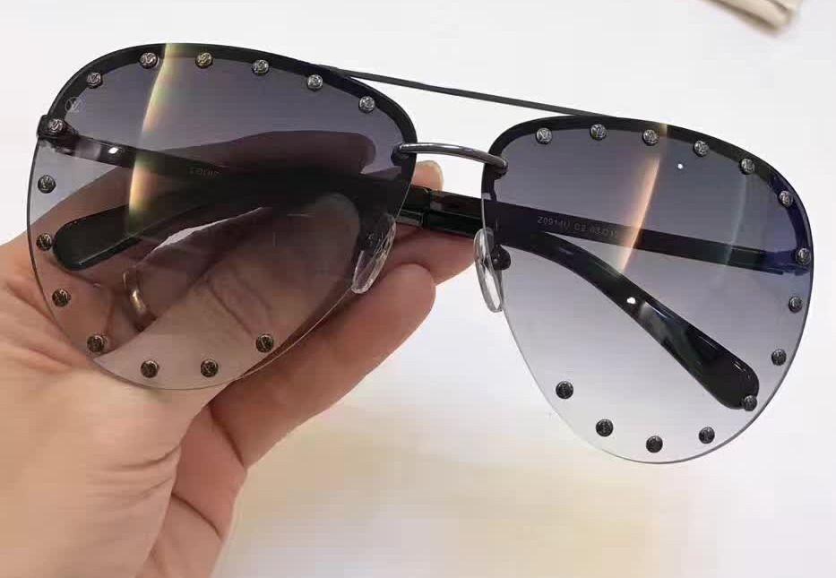 Polit Sunglasses Unisex Women Box Shaded New Designer With Black Grey Studded W2DEHIY9