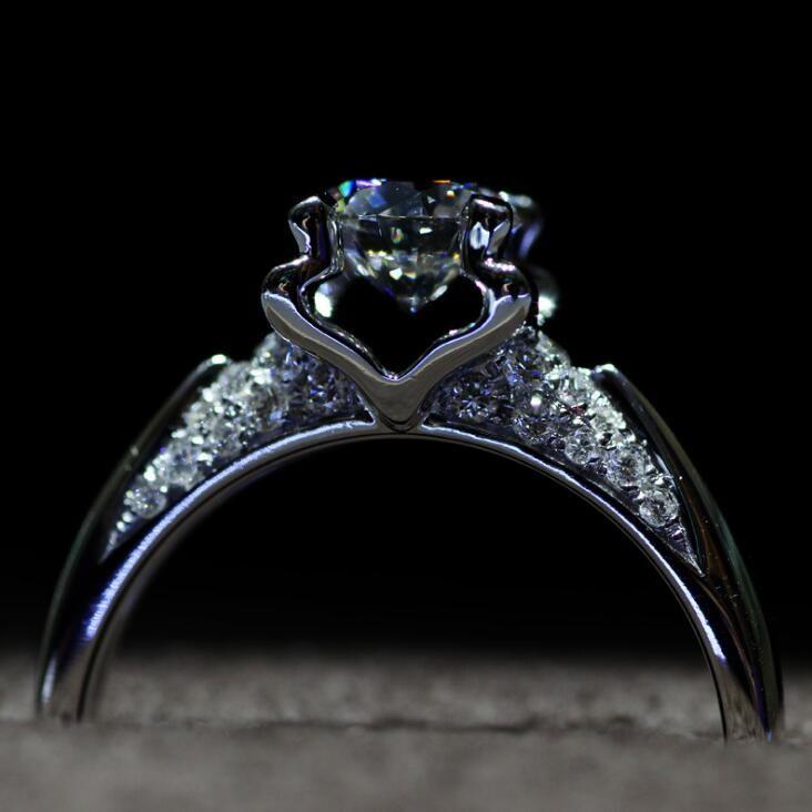 125 Ct Flower Shaped Simulated Diamond Wedding Rings Women Ring