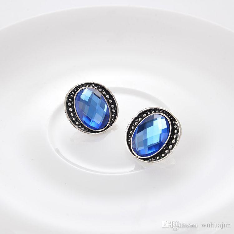 2017 Oval Blue Gemstone Earrings Necklace Sets Women Vintage Alloy Pendant Short Necklace Antic Silver Plated Necklaces Stud