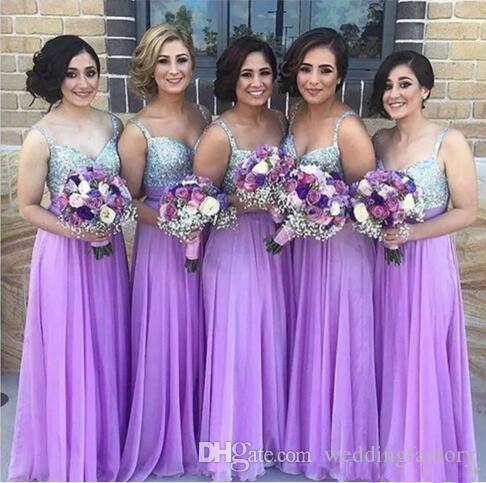 Lila brudtärna klänningar en linje spaghetti rem pärlstav pärlor av sequined chiffong bröllop gäst klänning långa dragkedja billiga festklänningar