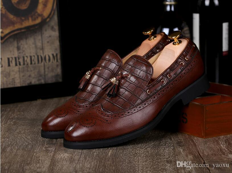 2019 Mens shoes fashion shoes Vintage Carved Genuine leather platform causal dress shoe Brogue shoes oxfords DH26