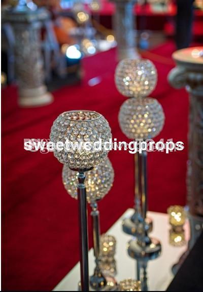 düğün masa kristal merkezinde, cam vazo çiçek standı