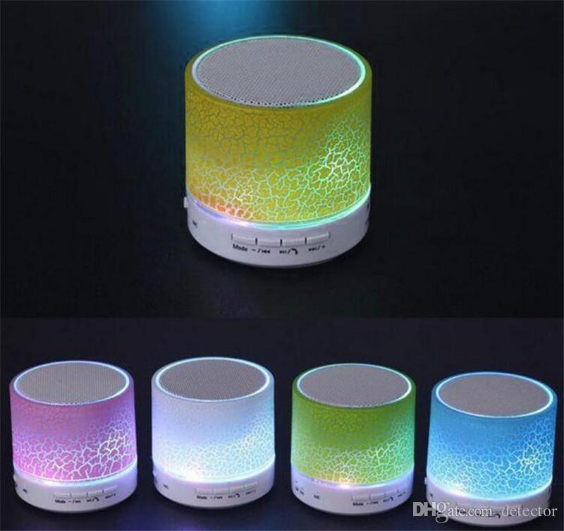 Mini portátil A9 crackle textura Bluetooth Speaker com luz LED pode inserir disco de U, jogador do telefone móvel com caixa de varejo