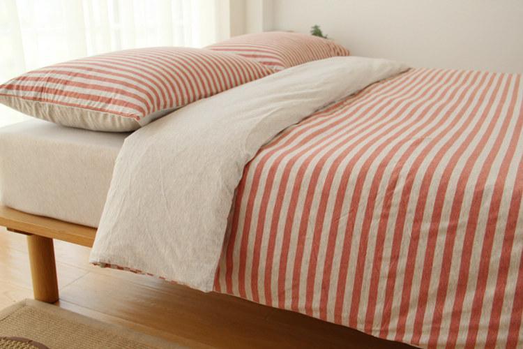 çarşaf ve çarşaf ev tekstil yatak seti katı renk tasarımları ile kintted kumaş şerit basit decration