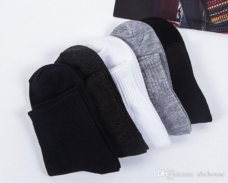 Estilo de moda de verano NUEVOS hombres Chico Mezcla acogedora Algodón Calcetines deportivos Negro Blanco Gris Colores Alta calidad Popular Diseño de malla transpirable shippi libre