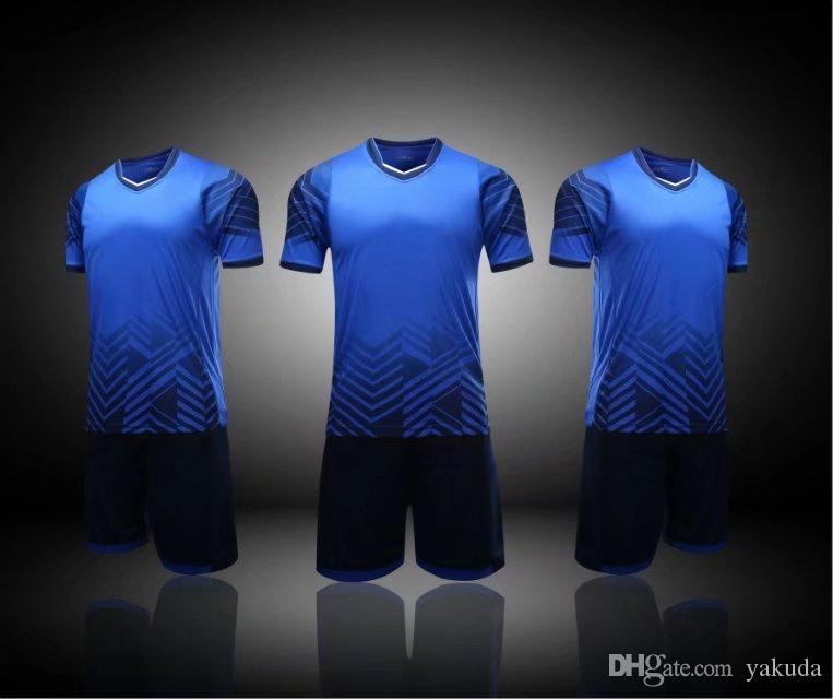 81dd61d8891a1 Compre Camisetas De Fútbol En Blanco Personalizadas De Equipo Establece Al  Por Mayor Gimnasio Trotar Manga Corta Tops Con Cortocircuitos