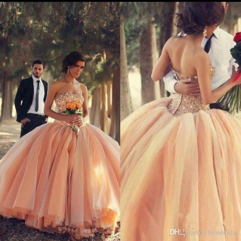 New Sexy Peach Quinceanera Abiti senza spalline Organza Ball Gown Floreale Colorato Inverno 2017 Ragazze Abiti in rilievo Cristalli Tulle