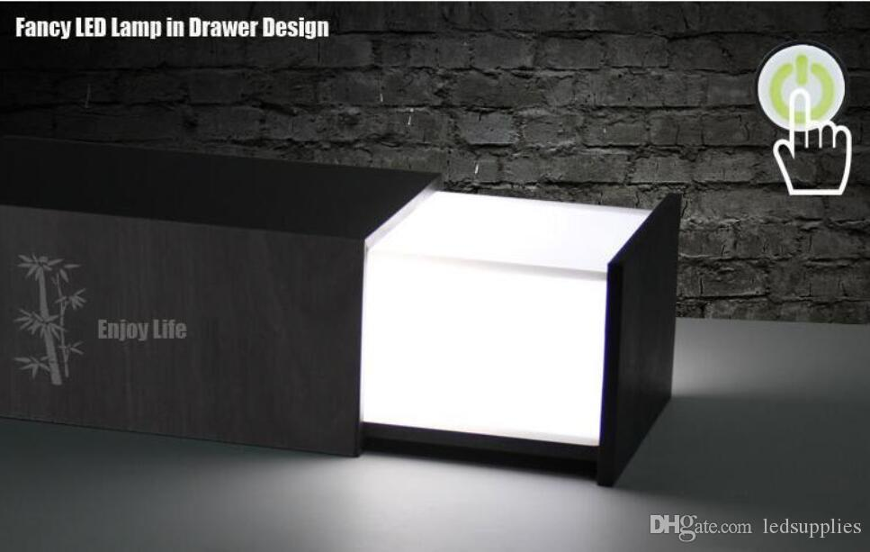 Multi-fonction créative haute avec haut-parleur sans fil Bluetooth lampe de bureau veilleuse Pandora boîte à bois audio petite lampe