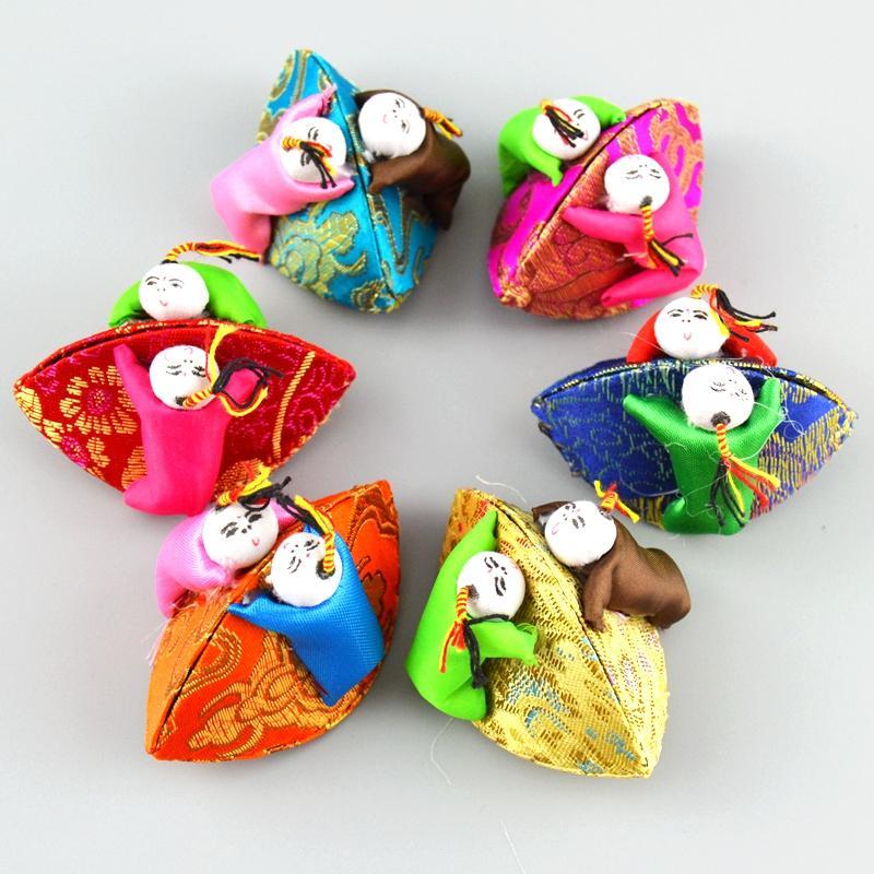 Kreativ handgjorda söta mini smyckesbox dekorativa barnmynt lagringsfall silke brocade hantverk kartongförpackningar lådor 10st / parti