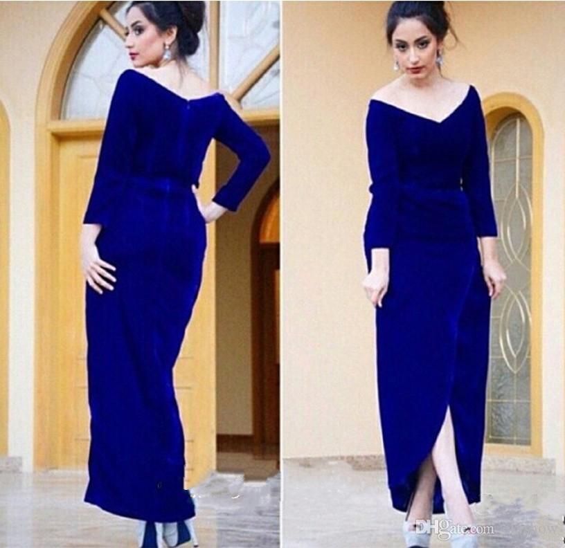 2017 Royal Blue Velvet Off der Schulter Mutter der Braut Kleider Langarm Abendkleid Side Split Prom Kleider Arabisch Maßarbeit