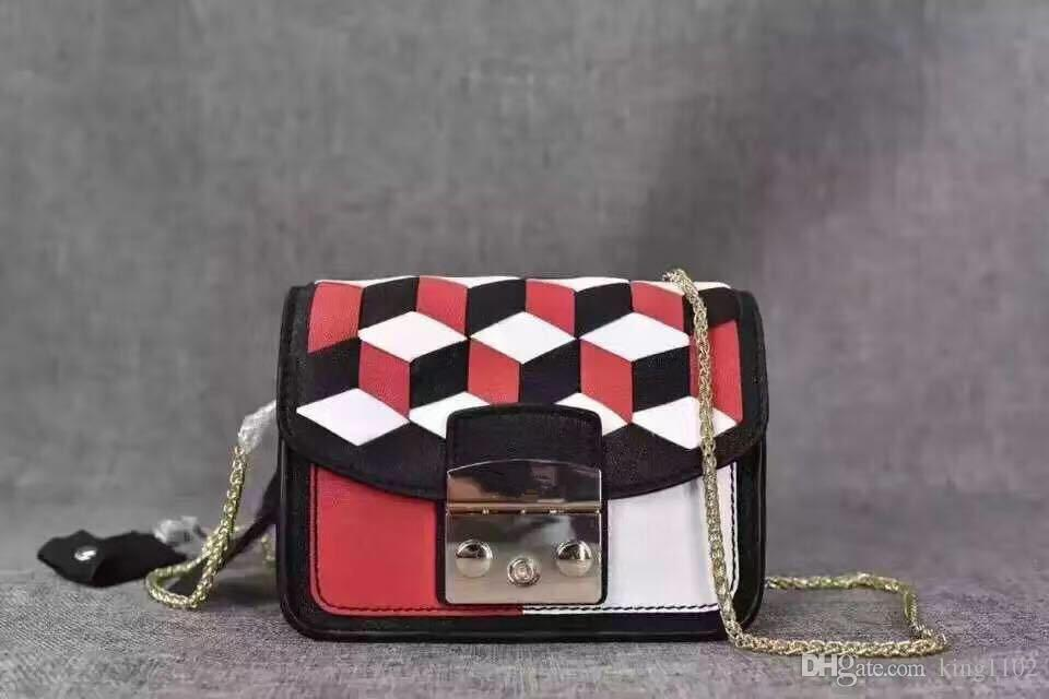 ed598726b5f1a Satın Al Marka Kadınlar Moda Flap Messenger Crossbody Hakiki Deri Elmas  Çiçek Çanta Omuz Çanta Inek Derisi Çanta F Kilit Zincirler Çanta, $65.99    DHgate.