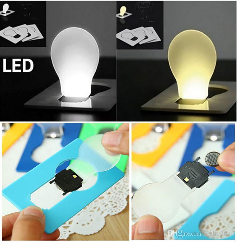 Lampe de poche à DEL avec lampe de poche Nouveauté Carte de crédit à DEL portable Lumière avec mini lumière dans le sac à main Portefeuille d'urgence Portable